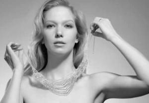 http://www.thebeautyeffect.com/estilo-2/los-secretos-de-belleza-de-la-gente-rica/