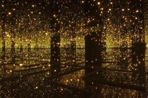 Yayoi-Kusama-Infinity-Mirrored-Room-Filled-with-the-Brilliance-of-Life-2011-©-Yayoi-Kusama-Photo-credit-Lucy-Dawkins_Tate-Photography-1024x681