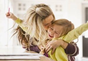 bbmundo: Contén a tu hijo en un momento difícil