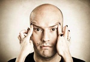 Delineación facial en hombre