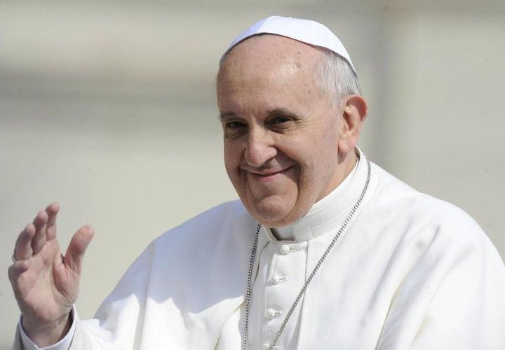 Capricho de Papa Francisco le cuesta la cabeza a Gobernador