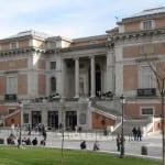 Cuenta con una de las mayores colecciones de pintura de todo el planeta. Entre sus muchas obras destacan 'Las Meninas' de Diego Velázquez, 'El caballero con la mano en el pecho' del Greco o 'Los fusilamientos del dos de mayo', de Goya.