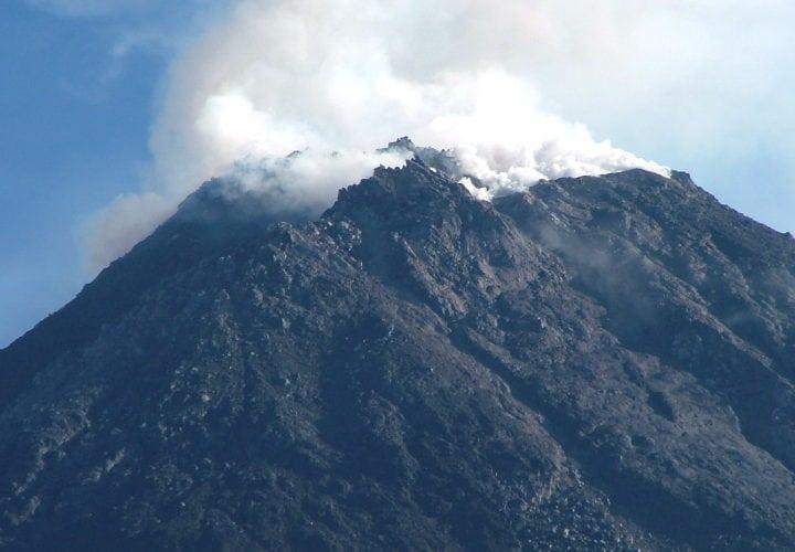 Mount_Merapi_Crater