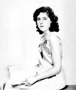 1. Leonora Niña-Jovencita