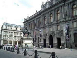 Plaza Manuel Tolsá 2