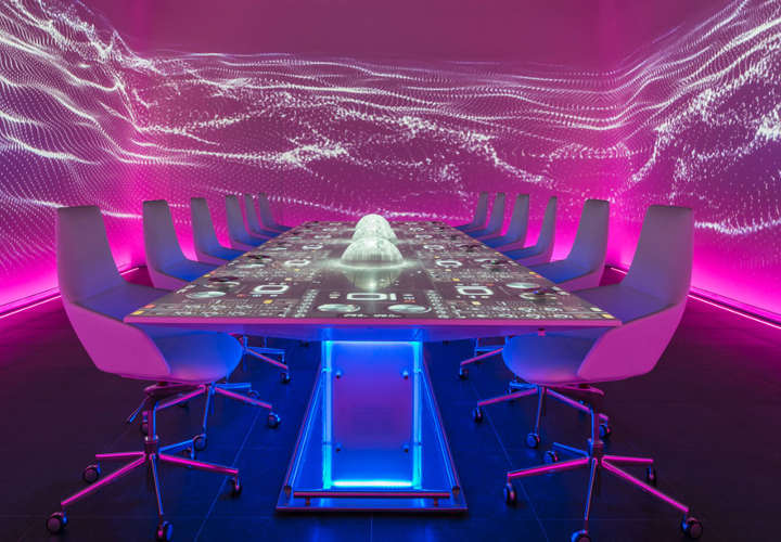 Table-at-Ibiza-restaurant-Sublimotion
