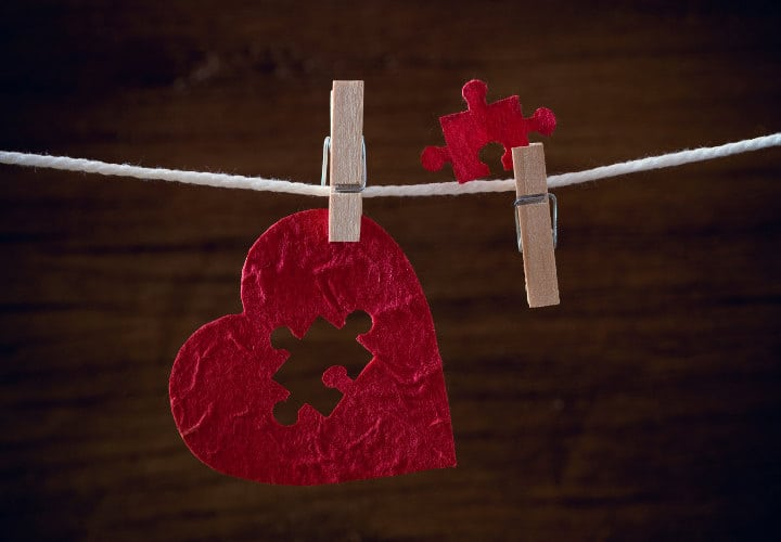 heart love jigsaw on cloth rope